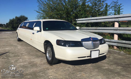 Lincoln Towncar Stretchlimousine 2