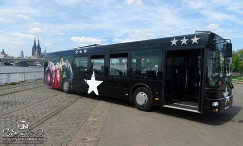 Großer Partybus